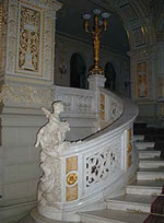 Front staircase. Click to enlarge